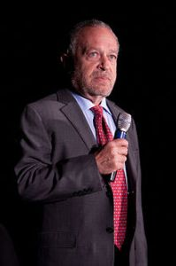 220px-Robert_Reich_at_the_University_of_Iowa,_Sep._7,_2011